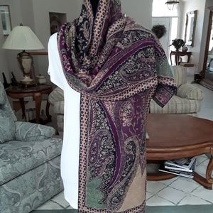 Chico's NWOT Cashmere Scarf/Shawl